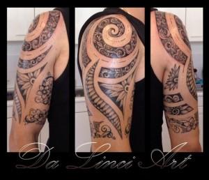 Da Linci Art Tattoo Tribal half sleeve