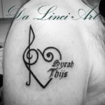 #musictattoo #music #heart #hearttattoo #writing #writingtattoo #syrah #thijs #tattoo #tattoos #tattooshop #dalinciart #zwijndrecht